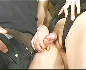 Guy gets a handjob and cums on pussy